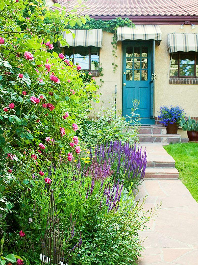 adelaparvu.com despre gradini mici cu flori, Foto BHG (8)