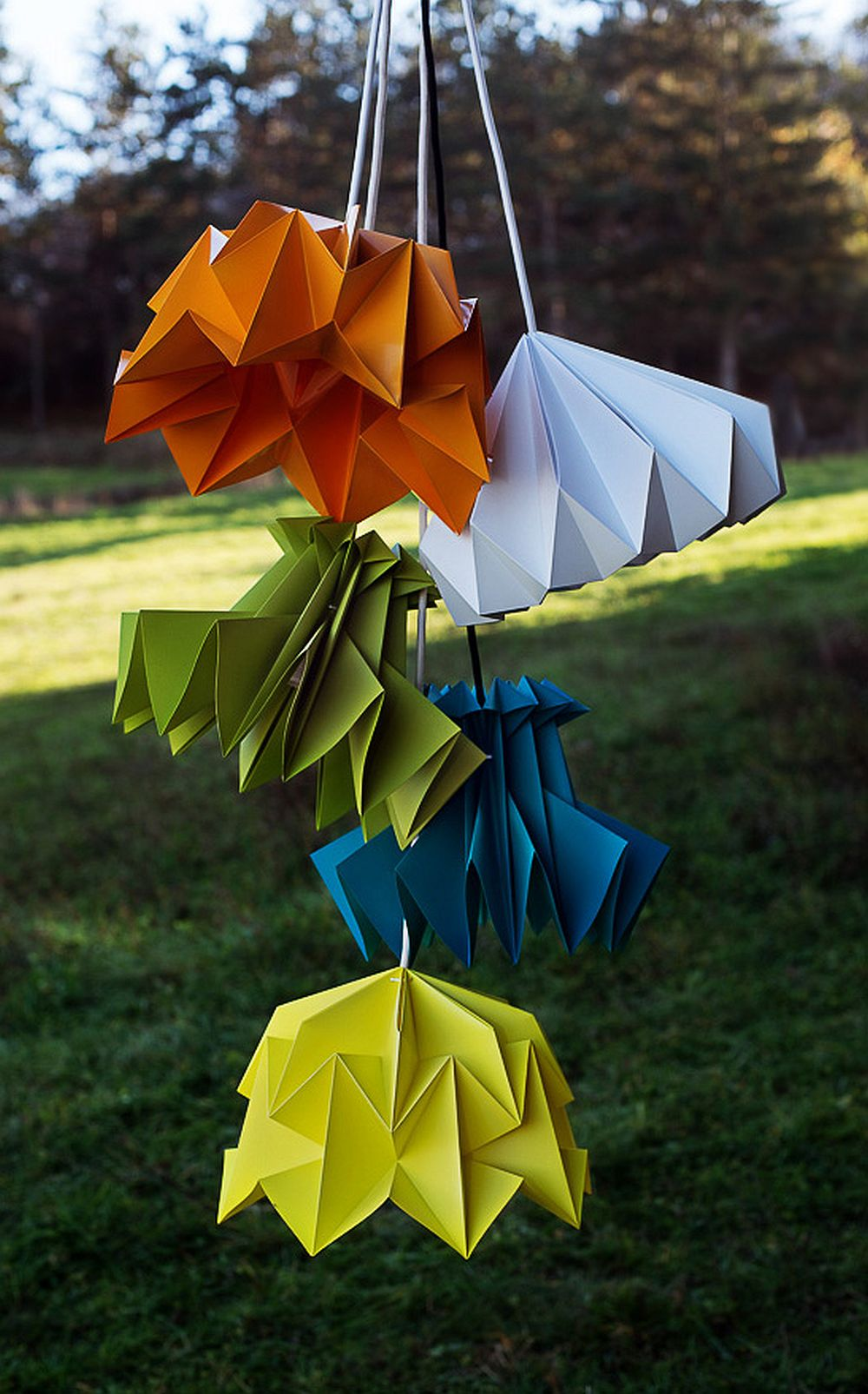 adelaparvu.com despre lampi origami, Happy Lamps, designeri Eliza Balana si Sergiu Tirziu (4)