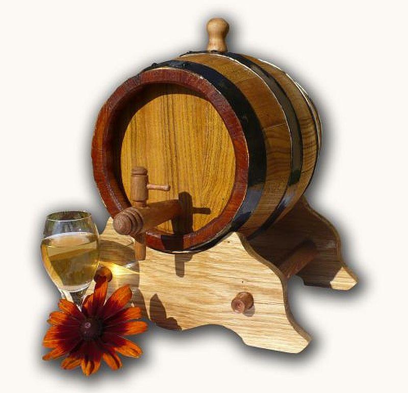 adelaparvu.com despre mesterul Szoke Tibor, cazi de baie lemn, butoaie, ciubere, putini, Foto Butaoie Harale (1)