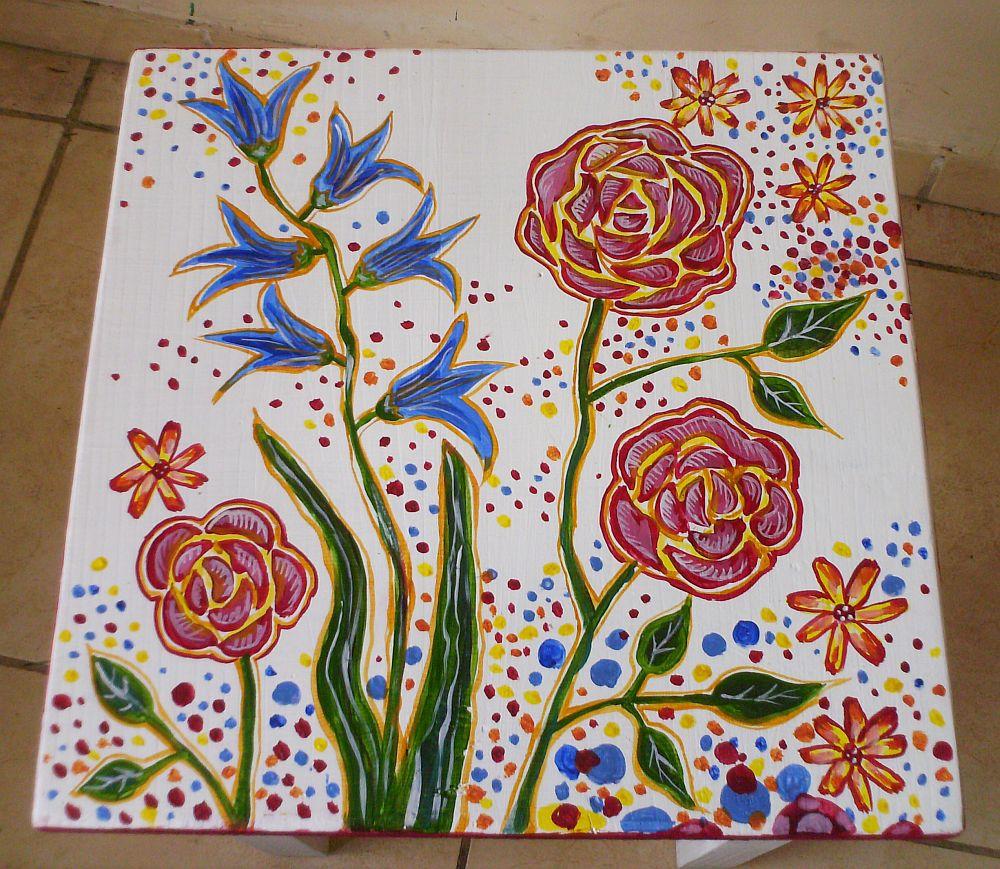 adelaparvu.com despre mobila pictata, cufere, lazi pictate, taburete pictate, artist Agnes Ile (13)
