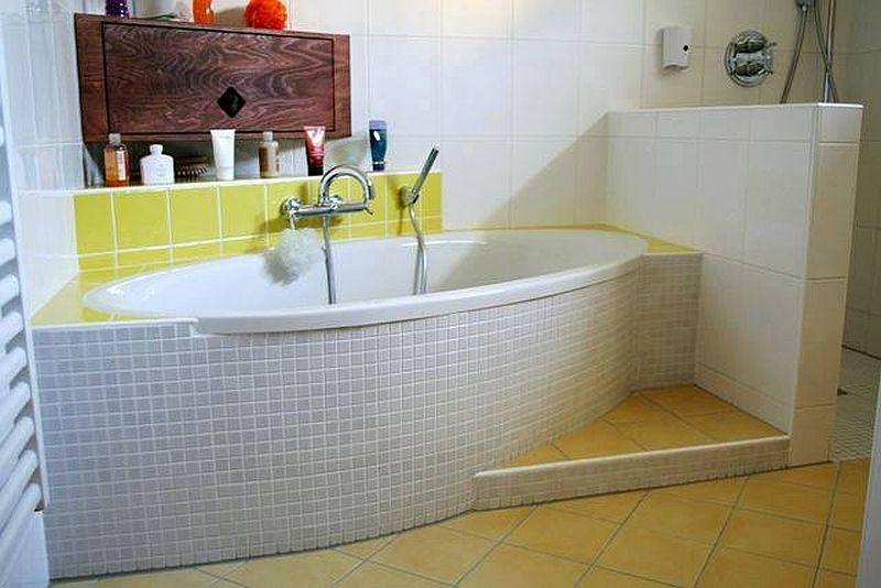 adelaparvu.com despre mobilier fix din BCA, mese insula, rafturi, pereti despartiotori, semineuri cu Ytong Design (5)