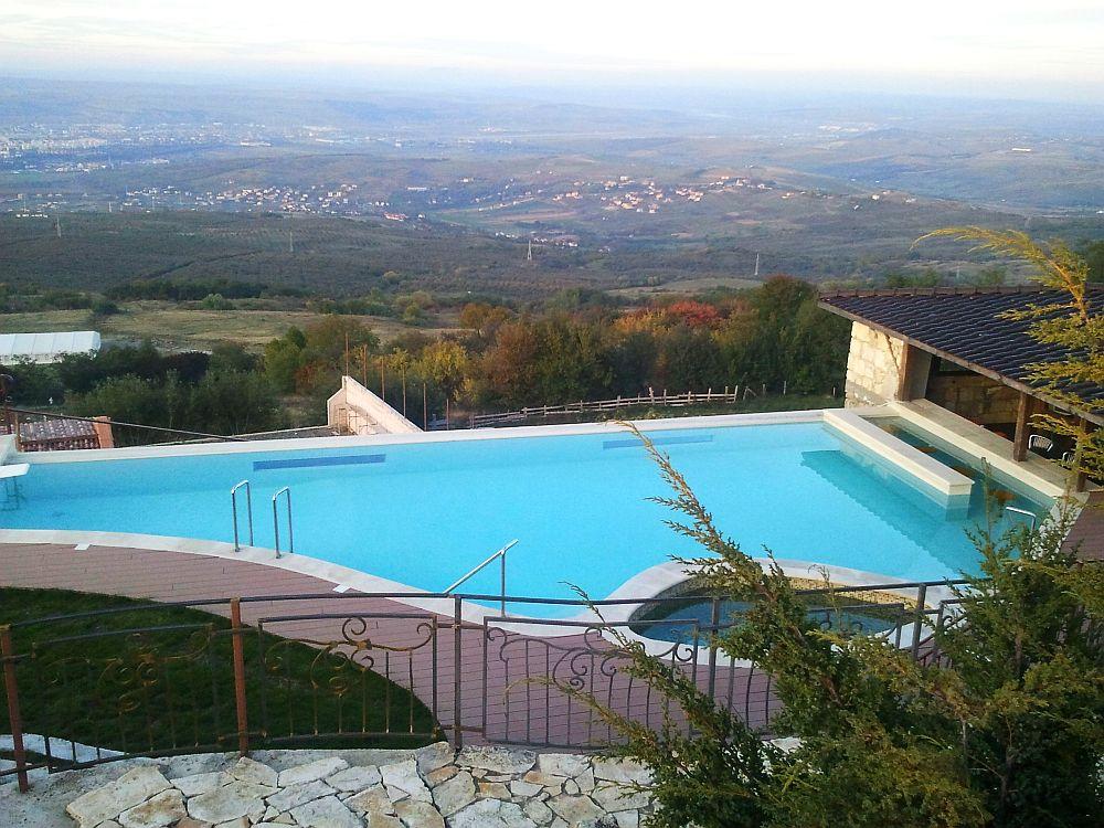 Premier topul celor mai frumoase piscine i spa uri din for Amenajari piscine exterioare