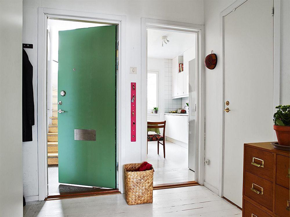 adelaparvu.com, garsoniera cu aer vintage, loc de canapea si pat in aceesi camera, Foto Stadshem (10)