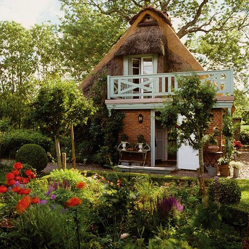 adelaparvu.com casa rustica cu acoperis din stuf, casa Germania, designer Monique Waque, Foto Andreas von Einsiedel (1)