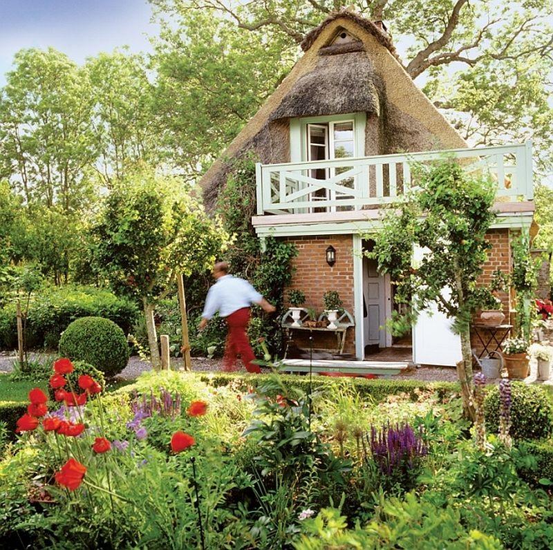adelaparvu.com casa rustica cu acoperis din stuf, casa Germania, designer Monique Waque, Foto Andreas von Einsiedel (3)
