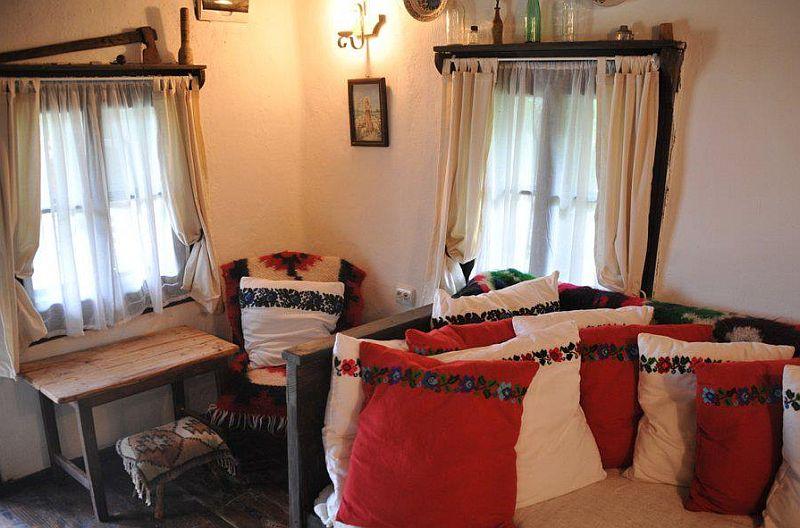 adelaparvu.com despre Casa Mica Breb, Village Hotel Breb, Romania, foto Duncan Ridgley (1)