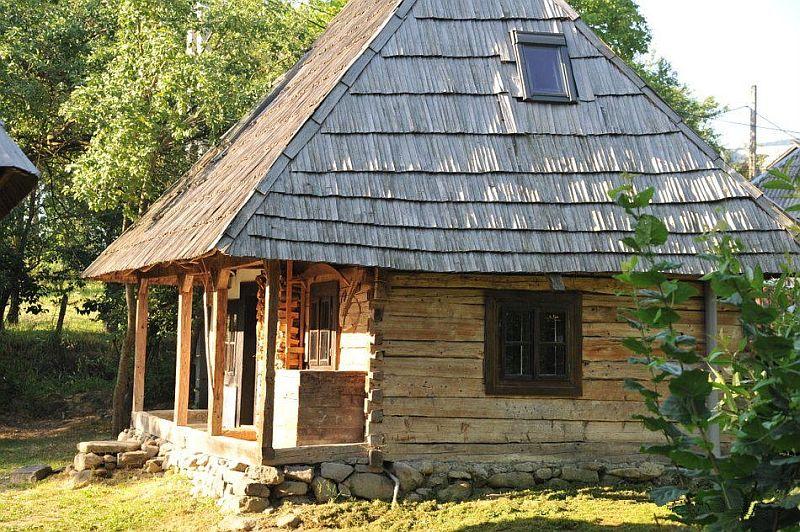 adelaparvu.com despre Casa Mica Breb, Village Hotel Breb, Romania, foto Duncan Ridgley (11)
