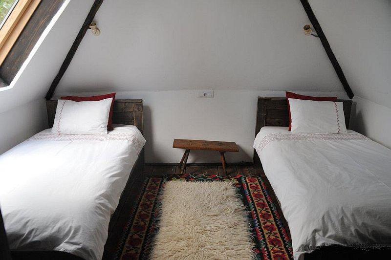 adelaparvu.com despre Casa Mica Breb, Village Hotel Breb, Romania, foto Duncan Ridgley (14)