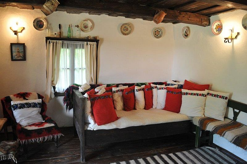 adelaparvu.com despre Casa Mica Breb, Village Hotel Breb, Romania, foto Duncan Ridgley (4)