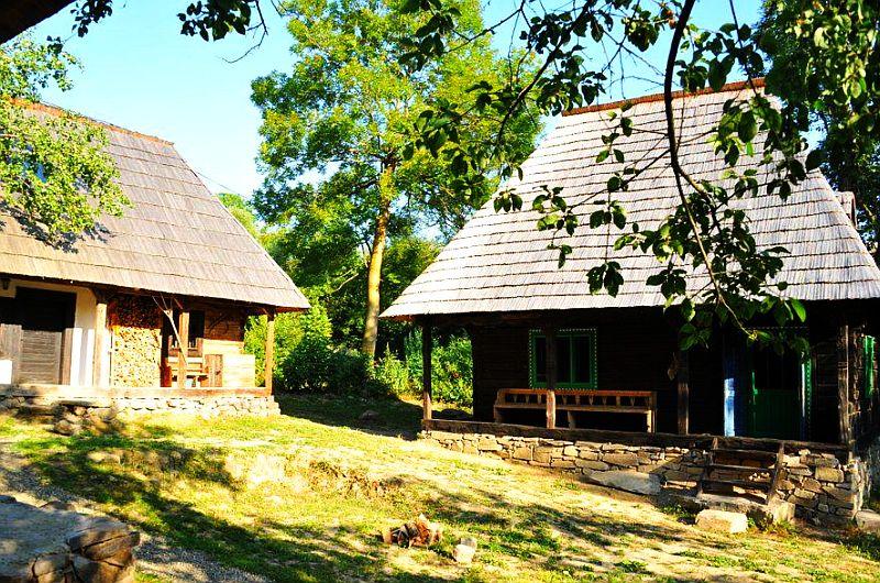 adelaparvu.com despre Casa Mica Breb, Village Hotel Breb, Romania, foto Duncan Ridgley (7)