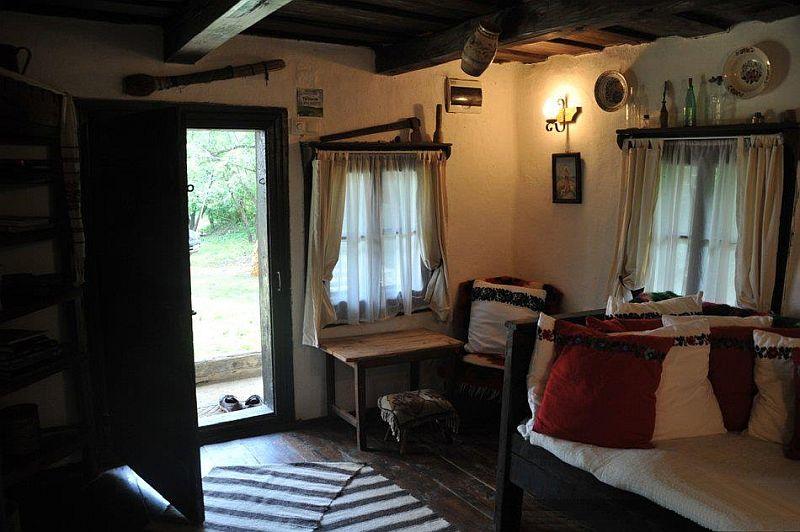 adelaparvu.com despre Casa Mica Breb, Village Hotel Breb, Romania, foto Duncan Ridgley (8)