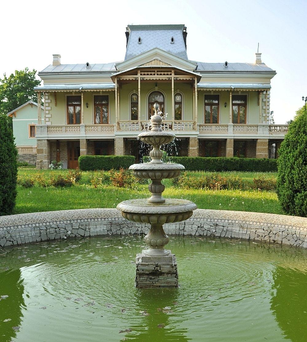 adelaparvu.com despre Conacul Polizu, Polizu Manor, Romania (22)