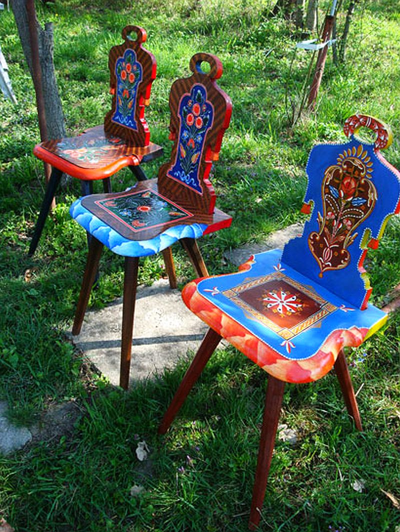 adelaparvu.com despre Corina Petculesc, Dragos Petculescu, mobila traditionala pictata, icoane ortodoxe pictate pe sticla si lemn (14)