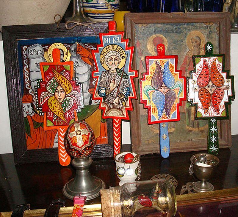 adelaparvu.com despre Corina Petculesc, Dragos Petculescu, mobila traditionala pictata, icoane ortodoxe pictate pe sticla si lemn (27)