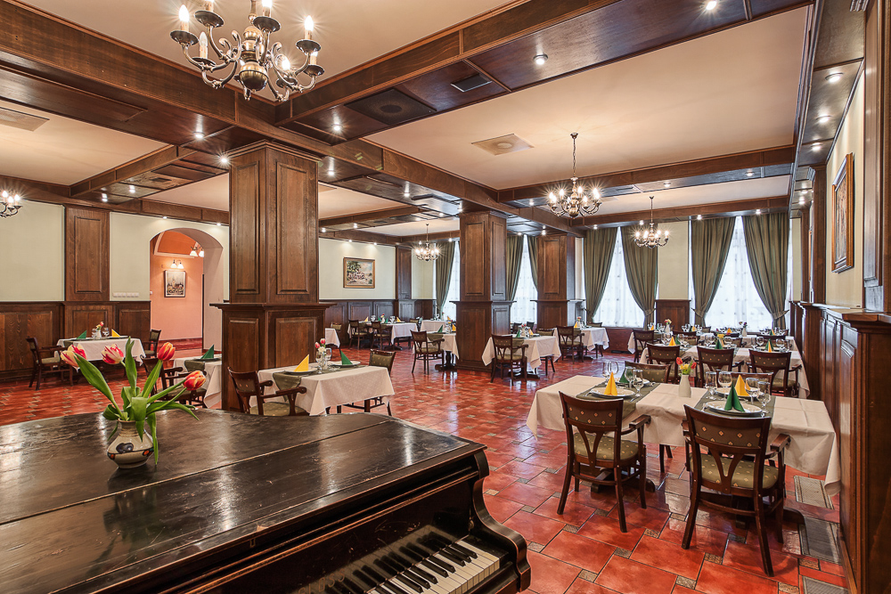 adelaparvu.com despre Hotel Traube Medias, Romania, Foto Andrei Zdetovetchi (24)