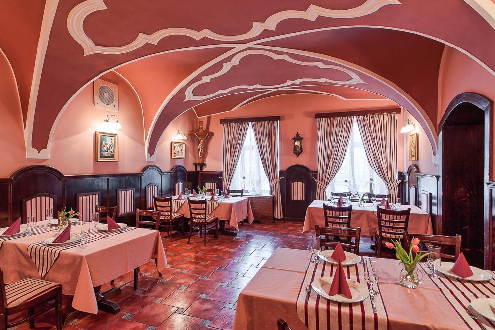 adelaparvu.com despre Hotel Traube Medias, Romania, Foto Andrei Zdetovetchi (25)
