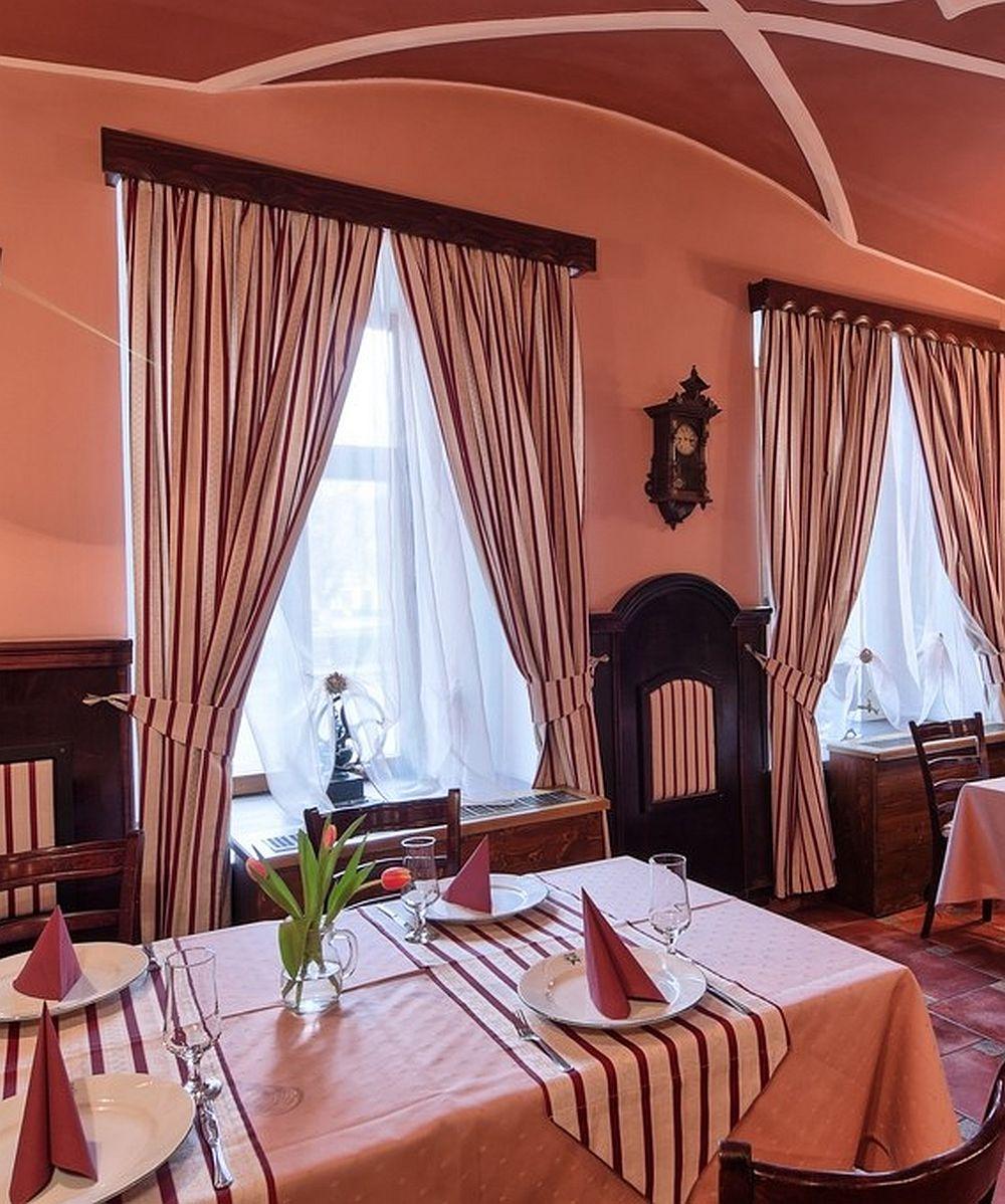 adelaparvu.com despre Hotel Traube Medias, Romania, Foto Andrei Zdetovetchi (4)
