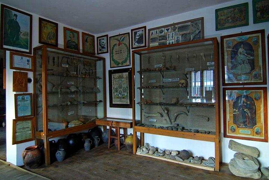 adelaparvu.com despre Muzeul Popa, Tarpesti, judetul Neamt, Romania, text Molnia Efremov (16)