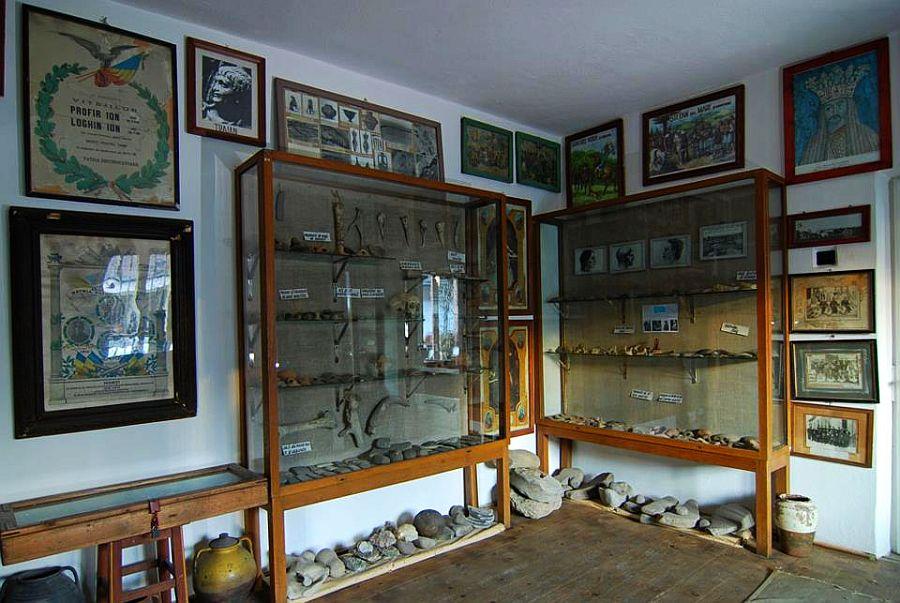 adelaparvu.com despre Muzeul Popa, Tarpesti, judetul Neamt, Romania, text Molnia Efremov (21)