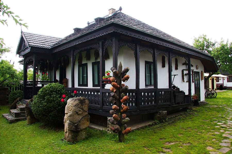adelaparvu.com despre Muzeul Popa, Tarpesti, judetul Neamt, Romania, text Molnia Efremov (29)