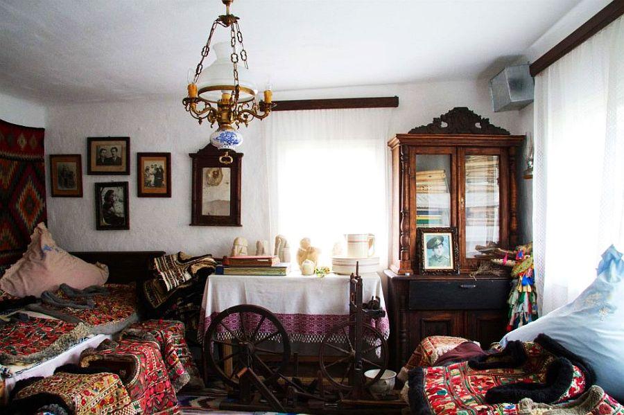 adelaparvu.com despre Muzeul Popa, Tarpesti, judetul Neamt, Romania, text Molnia Efremov (8)