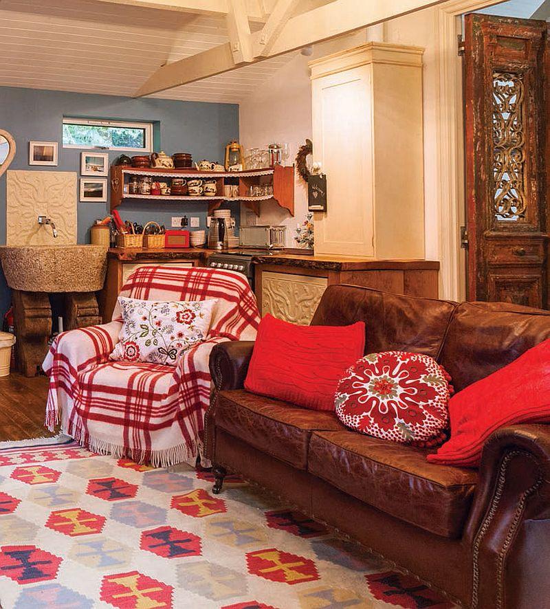 adelaparvu.com despre The Secret Holt, casa rustica, casa Marea Britanie, casa cu gradina in stil british, Foto Unique Stays Home (10)