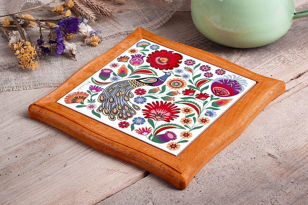 adelaparvu.com despre accesorii de masa colorate, servetele de hartie si suporturi de masa cu motive traditionale poloneze Łowicz (12)
