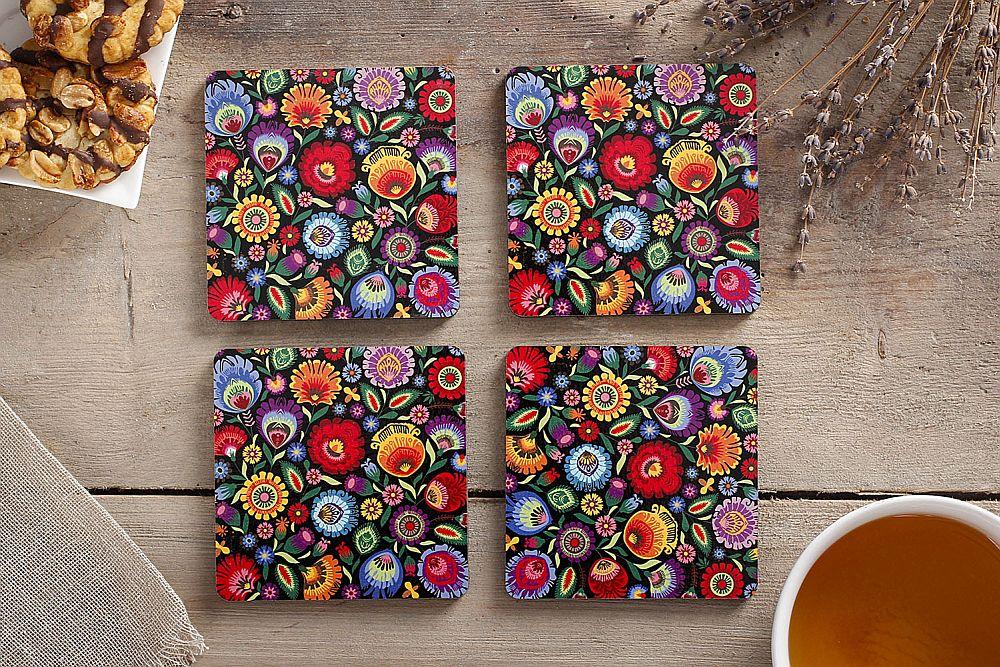 adelaparvu.com despre accesorii de masa colorate, servetele de hartie si suporturi de masa cu motive traditionale poloneze Łowicz (6)