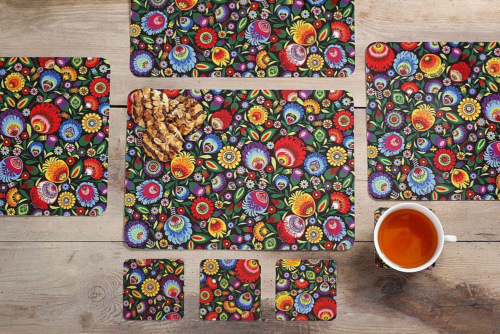 adelaparvu.com despre accesorii de masa colorate, servetele de hartie si suporturi de masa cu motive traditionale poloneze Łowicz (8)