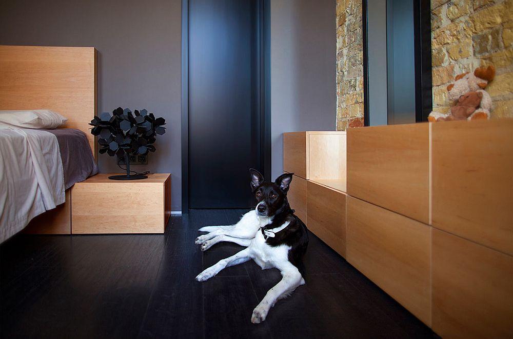 adelaparvu.com despre amenajare apartament de doua camere, mobila cu OSB, concept Constant Motion, arhitect AlexBykov (11)
