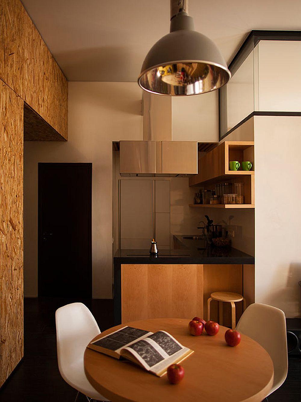 adelaparvu.com despre amenajare apartament de doua camere, mobila cu OSB, concept Constant Motion, arhitect AlexBykov (7)