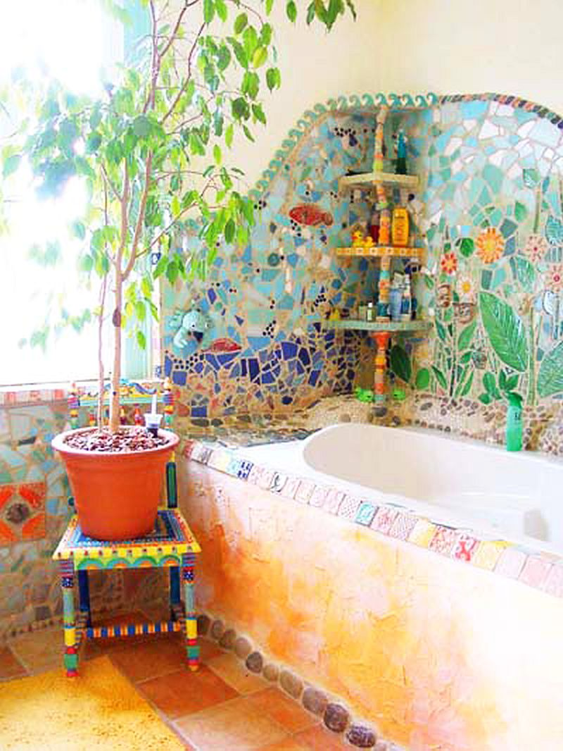 adelaparvu.com despre casa colorata, gard cu forma de creioane, interioare colorate, idei creative acasa, designer Bine Braendle (29)