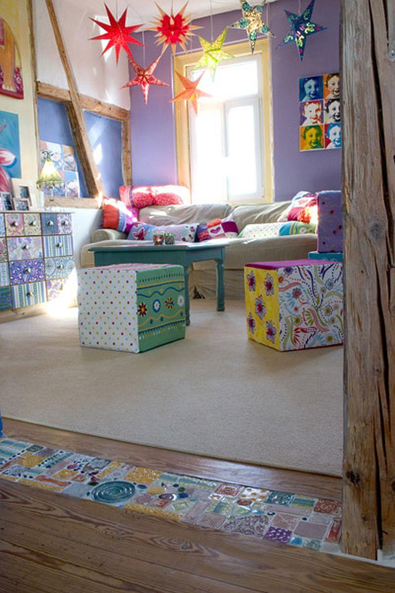 adelaparvu.com despre casa colorata, gard cu forma de creioane, interioare colorate, idei creative acasa, designer Bine Braendle (49)