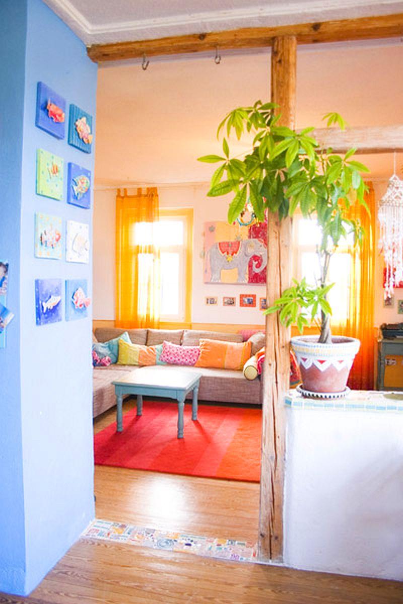 adelaparvu.com despre casa colorata, gard cu forma de creioane, interioare colorate, idei creative acasa, designer Bine Braendle (64)