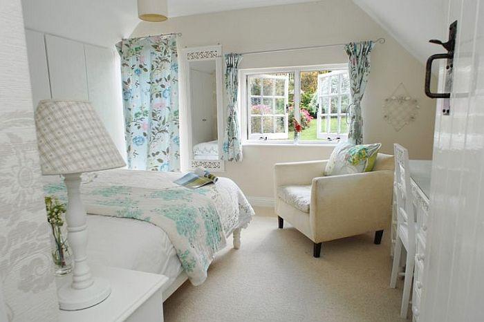 adelaparvu.com despre casa cu acoperis din stuf, casa de inchiriat Anglia, cottage, Serendipity, Unique Home Stays (22)