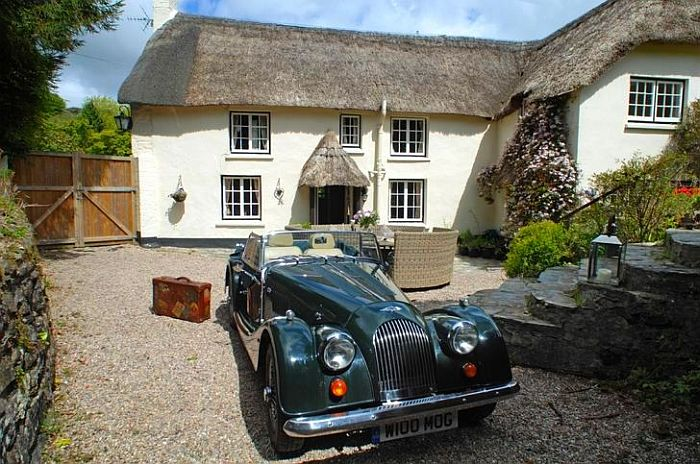 adelaparvu.com despre casa cu acoperis din stuf, casa de inchiriat Anglia, cottage, Serendipity, Unique Home Stays (7)