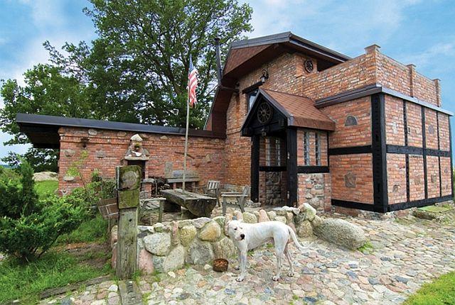 adelaparvu.com despre casa din caramida pe malul apei, casa Polonia, Foto Sara Niedzwiecka  (2)