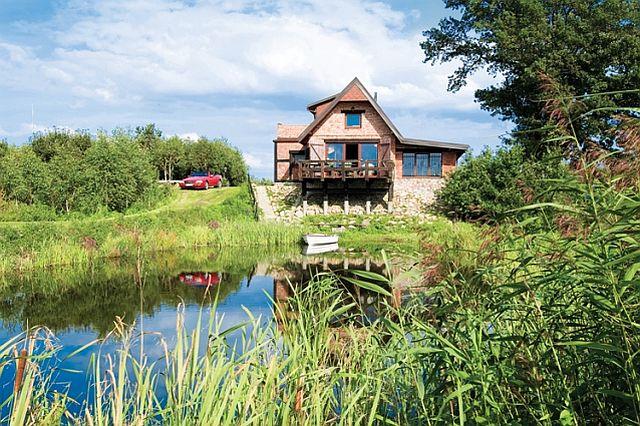 adelaparvu.com despre casa din caramida pe malul apei, casa Polonia, Foto Sara Niedzwiecka  (3)