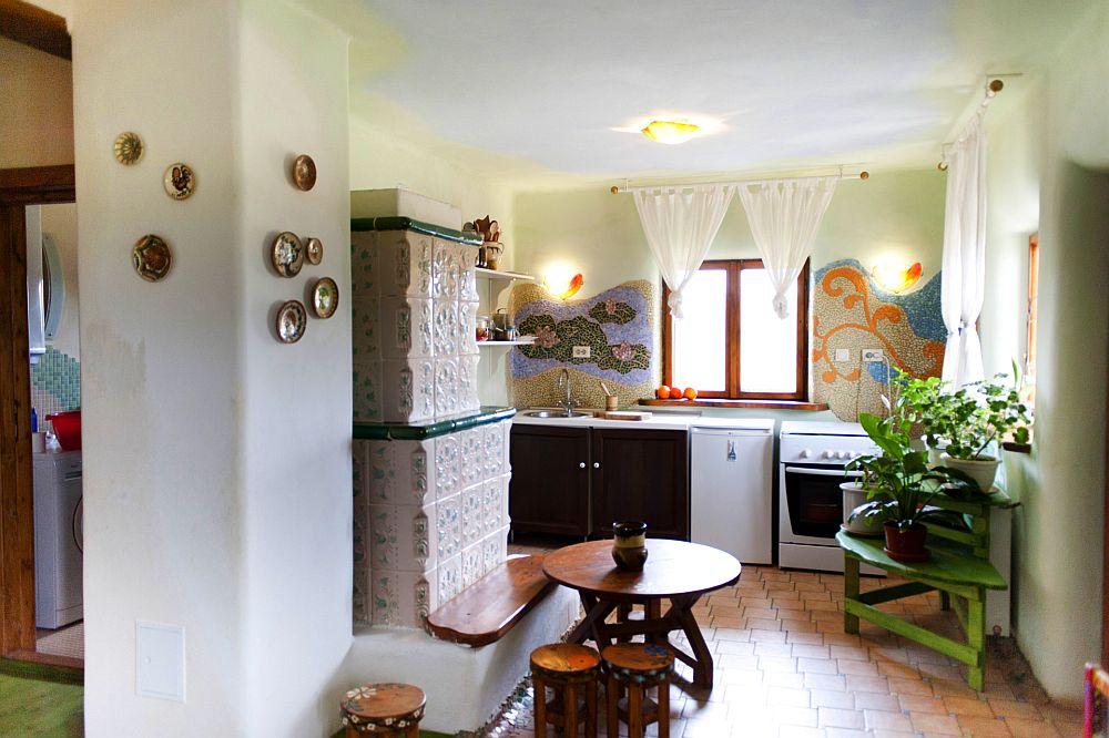 adelaparvu.com despre casa din chirpici la Ciolpani, Poiana Florilor, designer Elena Vasiliu arh. Raluca Suru, Foto Dragos Boldea (30)