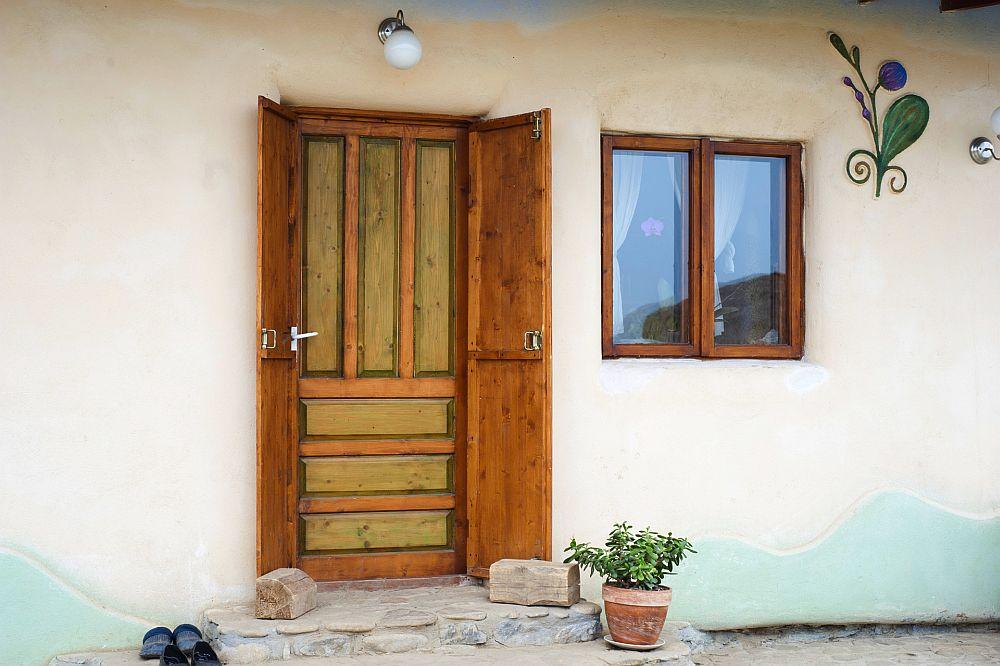 adelaparvu.com despre casa din chirpici la Ciolpani, Poiana Florilor, designer Elena Vasiliu arh. Raluca Suru, Foto Dragos Boldea (32)