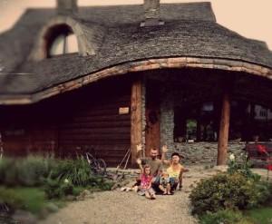 Ana, Paul si cei doi copii ai lor