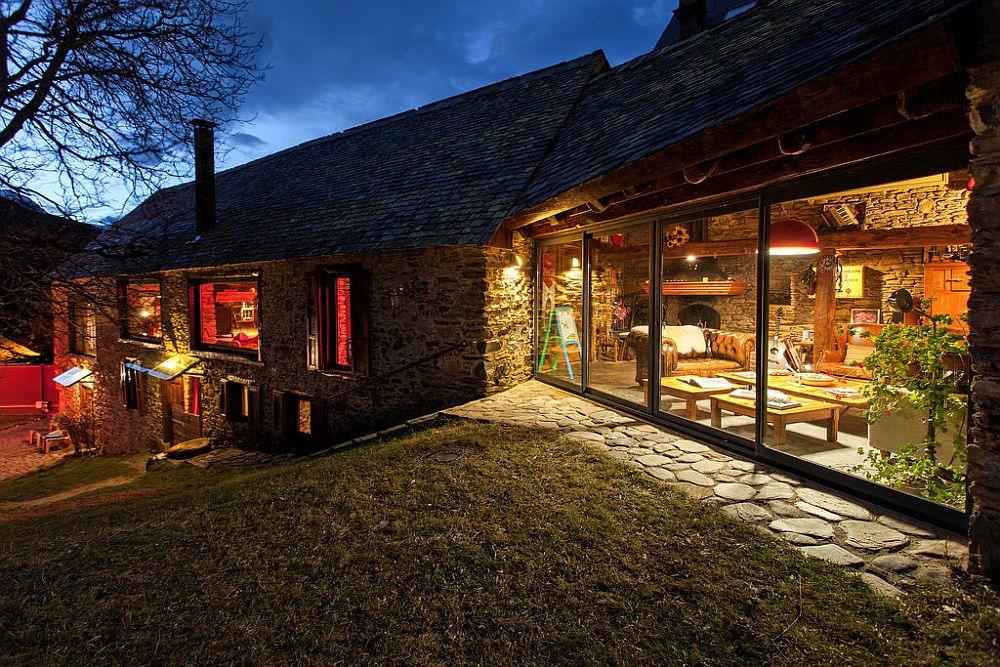 adelaparvu.com despre casa rustica cu interior modern in muntii Pirinei, Spania, Foto Hikarifoto (5)