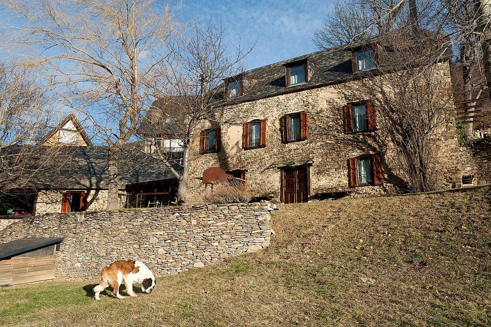 adelaparvu.com despre casa rustica cu interior modern in muntii Pirinei, Spania, Foto Hikarifoto (6)