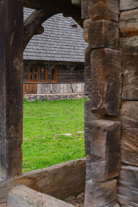 adelaparvu.com despre case din lemn maramuresene, case restaurate Maramures, Breb, Foto Dragos Asaftei (10)
