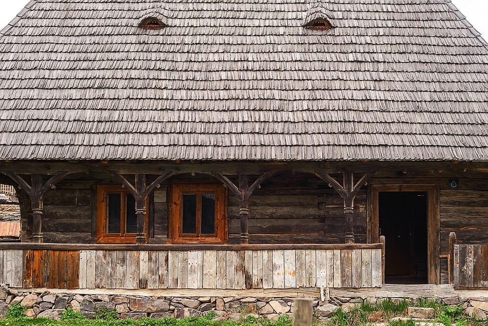 adelaparvu.com despre case din lemn maramuresene, case restaurate Maramures, Breb, Foto Dragos Asaftei (14)