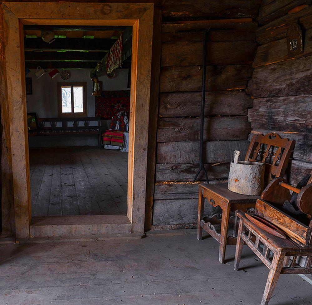 adelaparvu.com despre case din lemn maramuresene, case restaurate Maramures, Breb, Foto Dragos Asaftei (15)