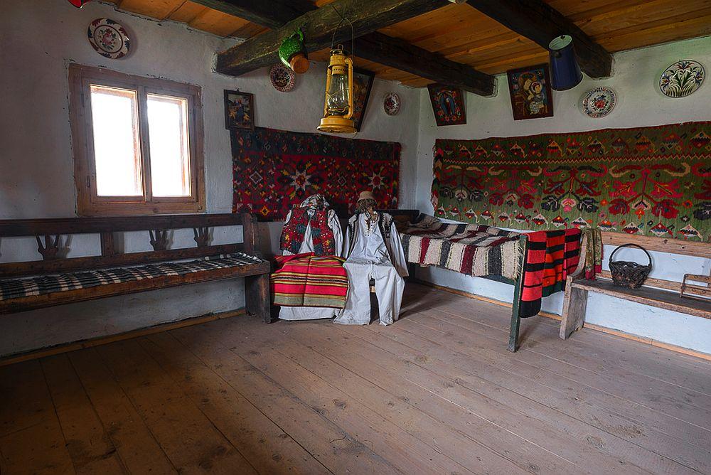 adelaparvu.com despre case din lemn maramuresene, case restaurate Maramures, Breb, Foto Dragos Asaftei (18)