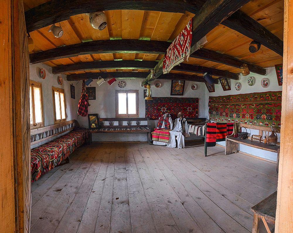 adelaparvu.com despre case din lemn maramuresene, case restaurate Maramures, Breb, Foto Dragos Asaftei (19)