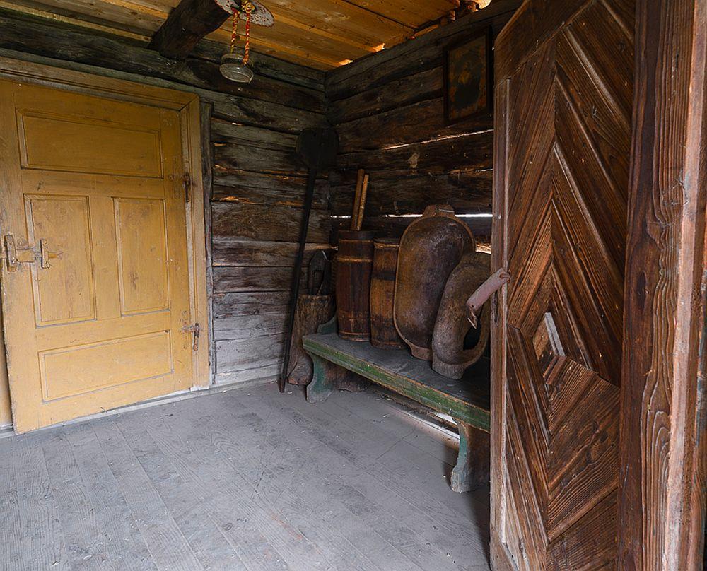 adelaparvu.com despre case din lemn maramuresene, case restaurate Maramures, Breb, Foto Dragos Asaftei (21)