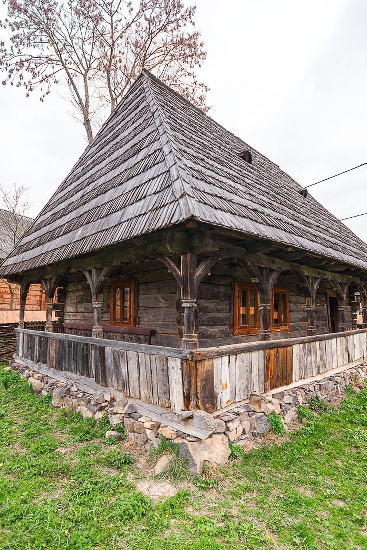 adelaparvu.com despre case din lemn maramuresene, case restaurate Maramures, Breb, Foto Dragos Asaftei (22)